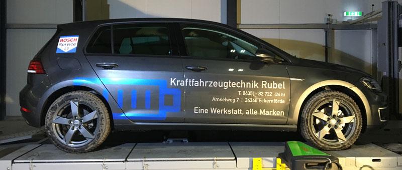 Fahrzeugbeschriftung-E-Golf-Rubel-Bosch-Seite
